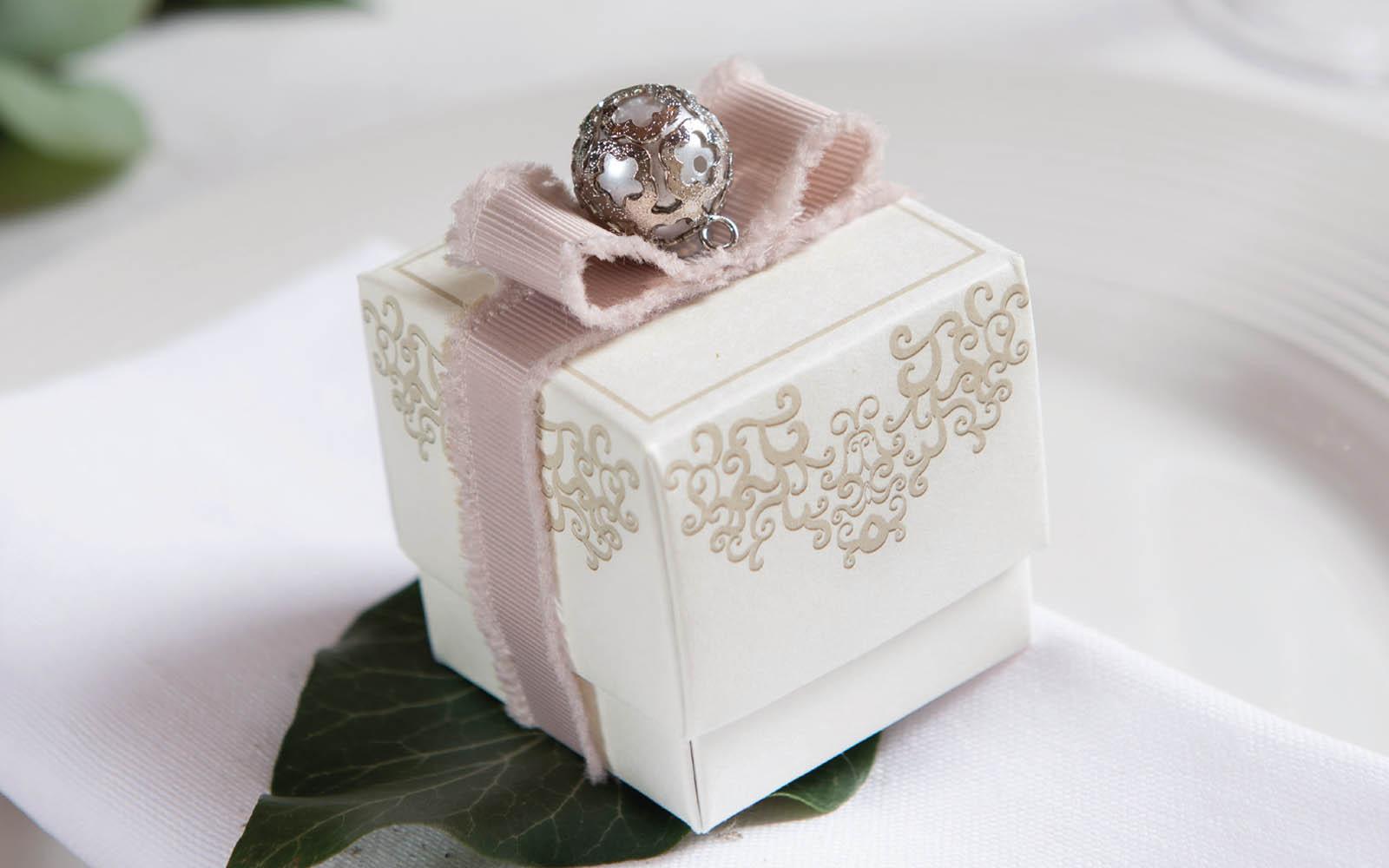 scatole e sacchetti cerimonia bomboniere